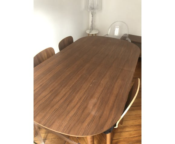 Table à manger Edelweiss et ses 4 chaises