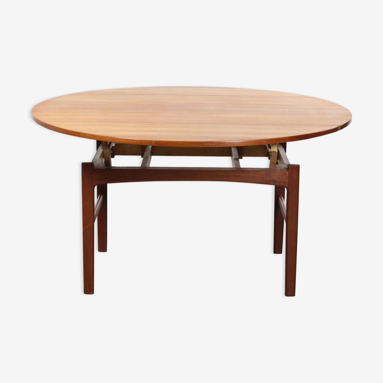 Scandinavian table in transformable teak