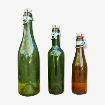 Suite of 3 old bottles