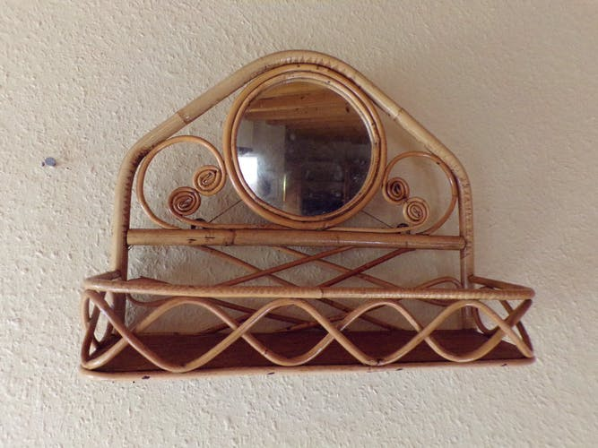 Etagère en rotin avec miroir