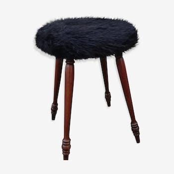 Tabouret moumoute « mouton noir»