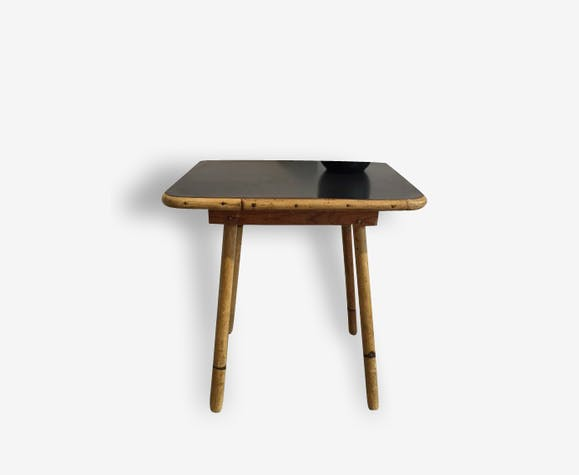 Petite table pieds rotin plateau formica