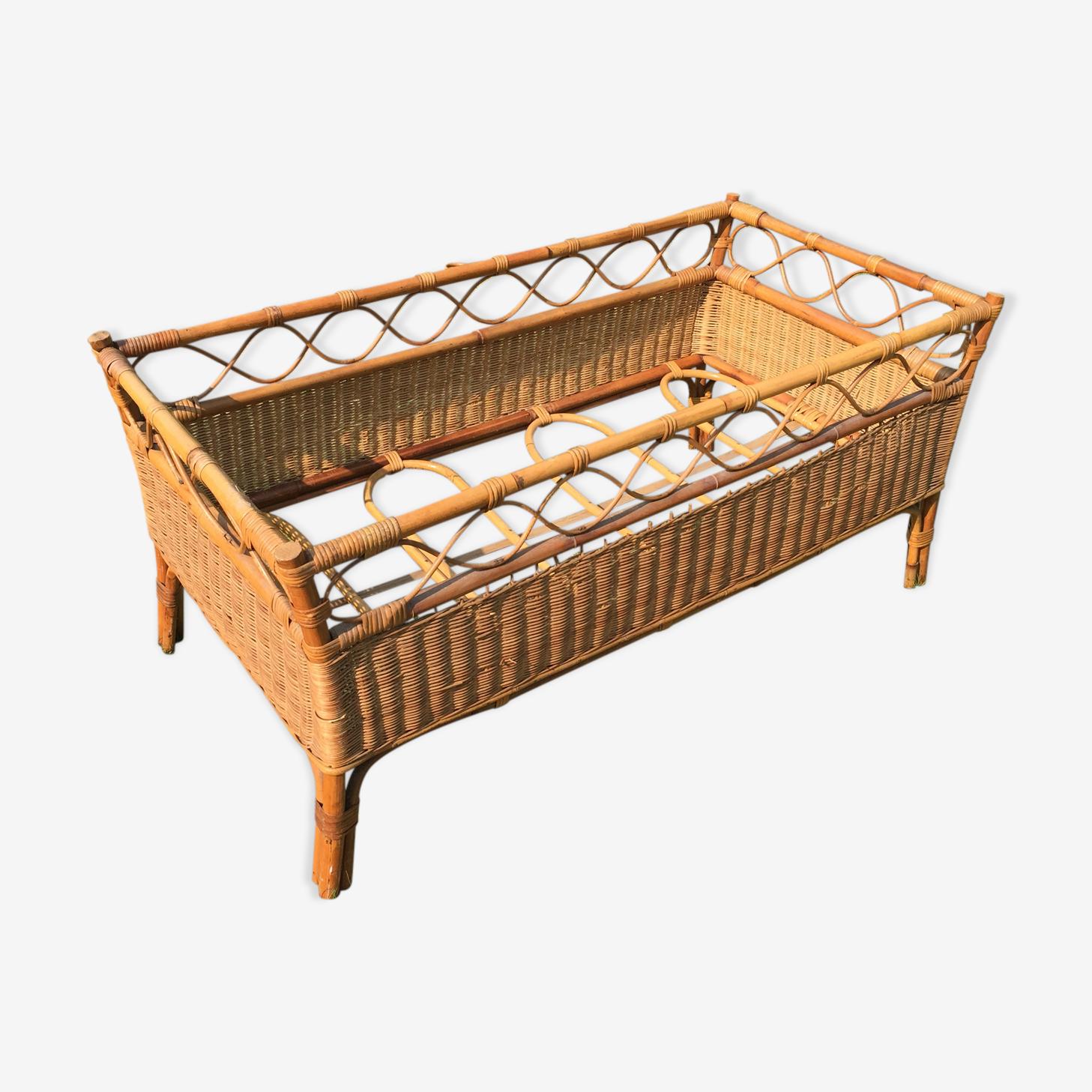 Vintage 60s rattan child bed