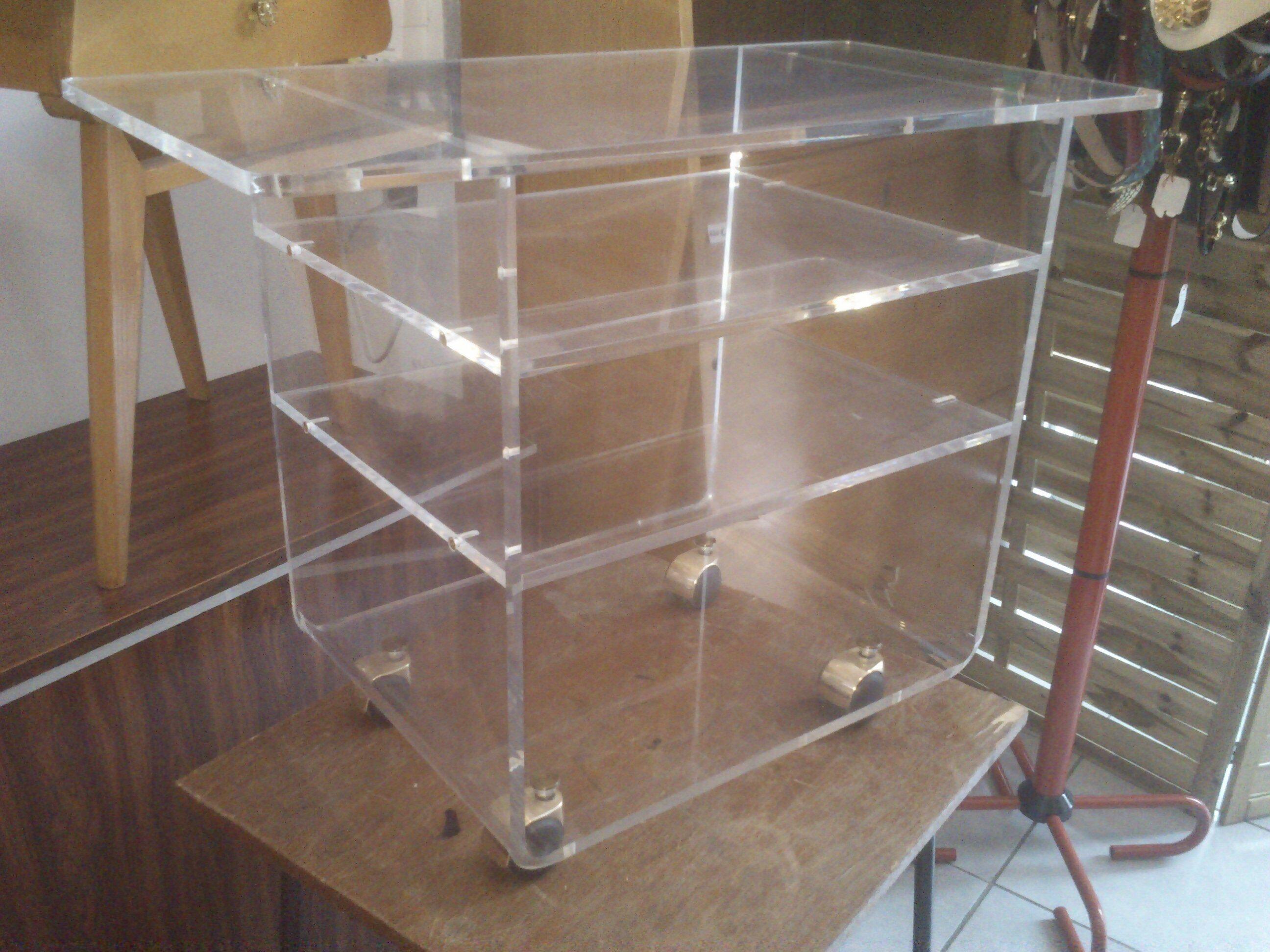 Meuble Plexiglas Transparent Awesome Made In Meubles Fauteuil  # Meuble Tv Sur Roulettes First Plexiglass