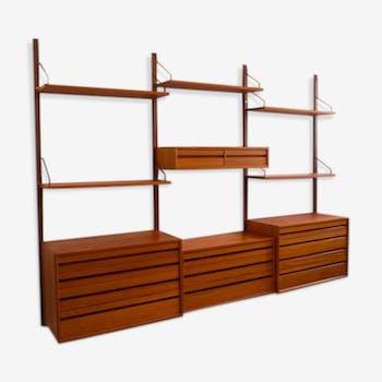 Royal System shelf system by Poul Cadovius