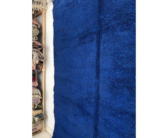 Tapis berbère marocain beni ouarain bleu intense uni 290x205cm