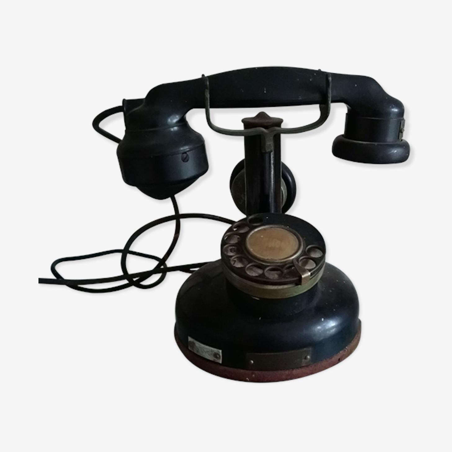 Téléphone noir ancien