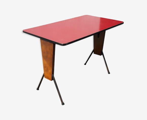 Table de café en formica rouge années 60 pieds compas