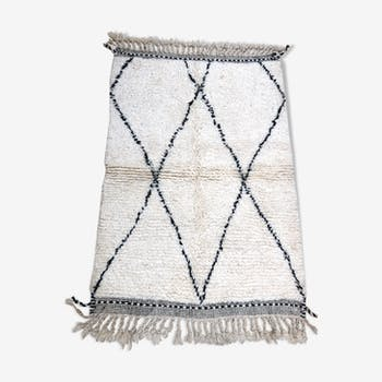 Moroccan Berber carpet Beni Ouarain with black diamonds 1.4x0.98m