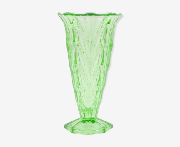 Uranium Glass Vase From Czechoslovakia 1930 S Glass And Crystal