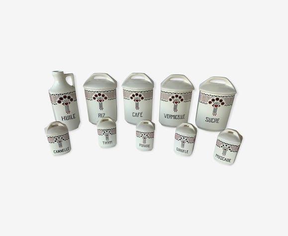 Pots à épices en porcelaine
