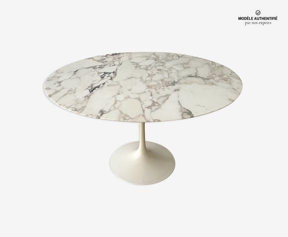 table manger en marbre arabescato eero saarinen knoll. Black Bedroom Furniture Sets. Home Design Ideas