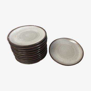 Set of 10 vintage sandstone plates