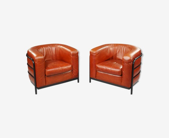 "Two ""Onda"" leather club armchairs edited by Zanotta, Italy"