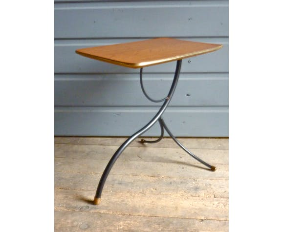 Table d'appoint en formica et métal noir