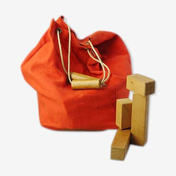 Bag with wooden cubes