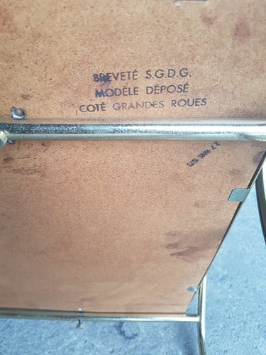 Desserte breveté sgdg modèle déposé