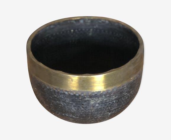 Cache pot en bronze martelé orientale années 1920