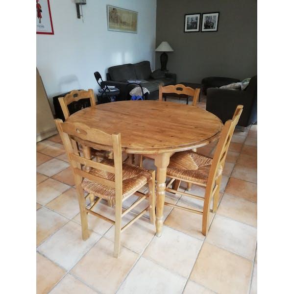Table Salle A Manger En Bois Massif Et 4 Chaises Selency