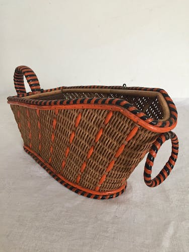 Pouring basket for wine, vintage accessory