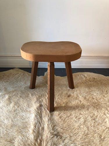 Tabouret tripode en bois vintage