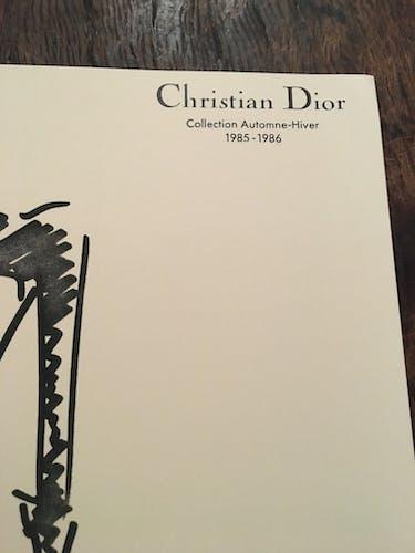 Christian Dior : illustration de mode de presse - époque: années 80