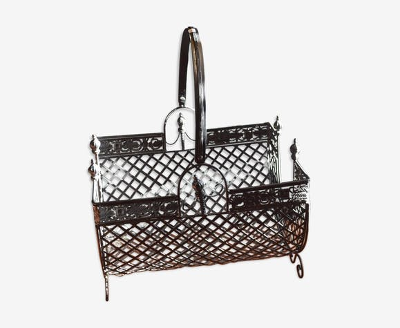Iron log basket