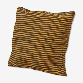 Cushion tiles yellow and Brown wax