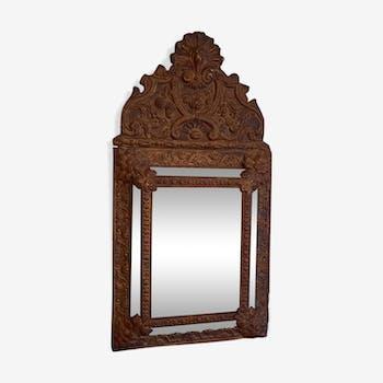 Closed-wall mirror
