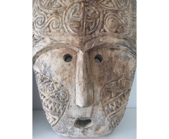 Masque Timor Indonésie en bois
