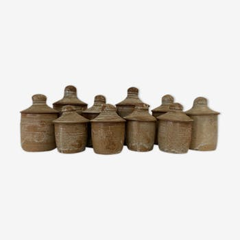 Set of pots with sandstone lid
