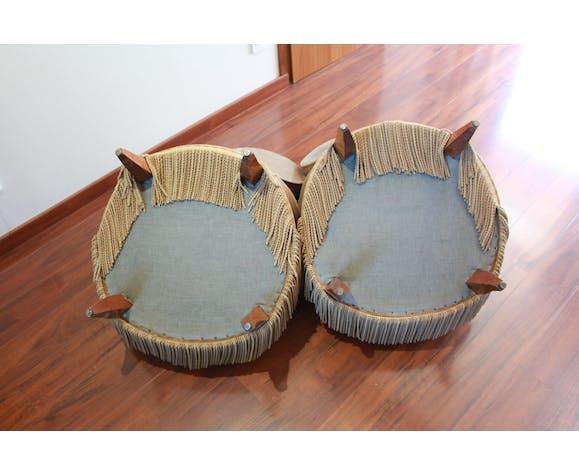 Deux fauteuils coktail beige velours à frange