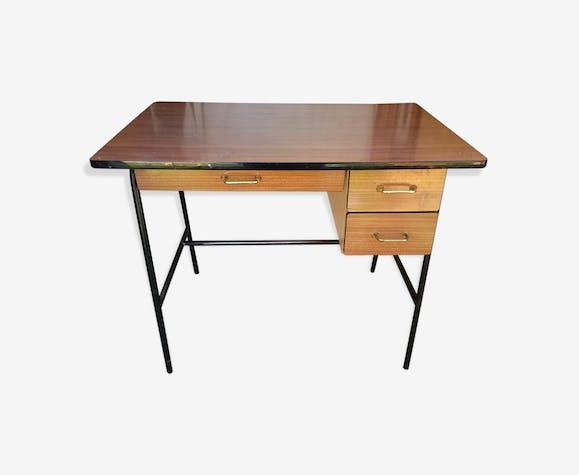 bureau enfant vintage 1960 70 pieds m tal bois mat riau. Black Bedroom Furniture Sets. Home Design Ideas