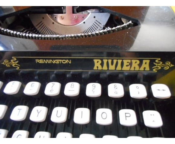 Machine à écrire Remington riviera