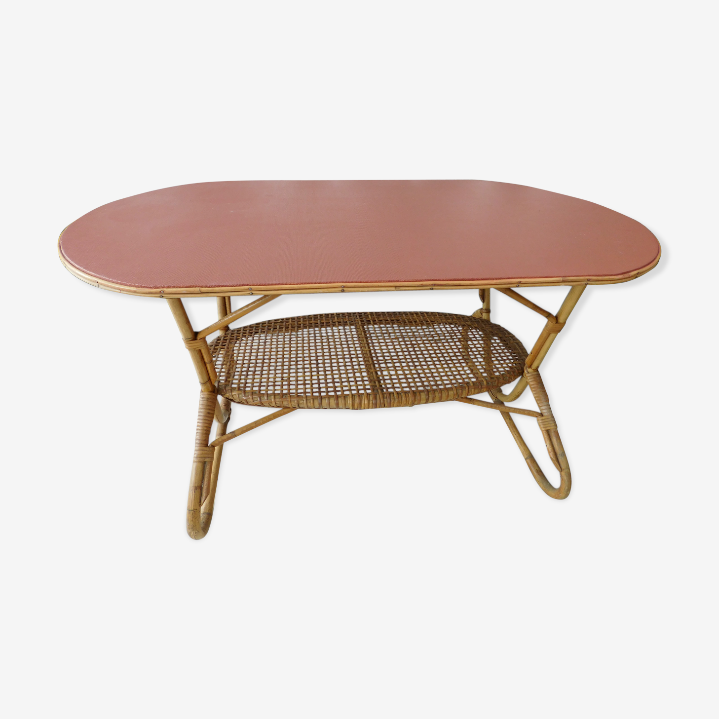 Table basse en rotin terracotta