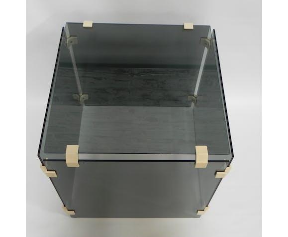 Table basse cube composée de 5 plaques de verre