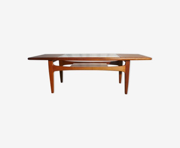 Table basse scandinave en teck blond g plan teck bois for Table scandinave en teck