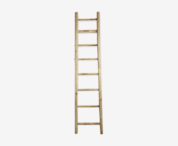 Eight rung wooden ladder