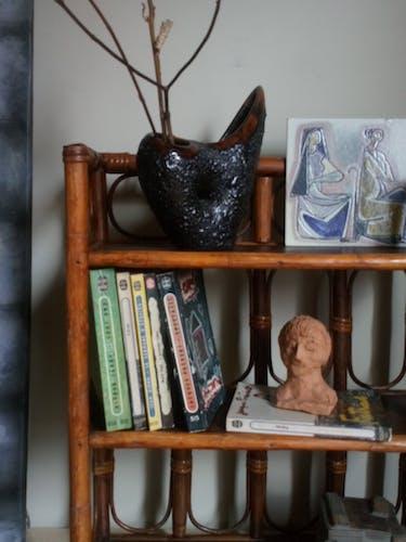 Étagère bois et rotin vintage