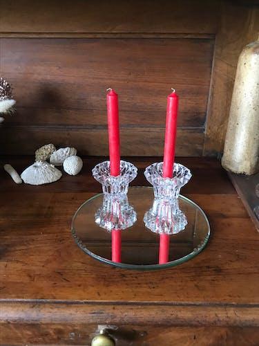 Bougeoirs en cristal taillé