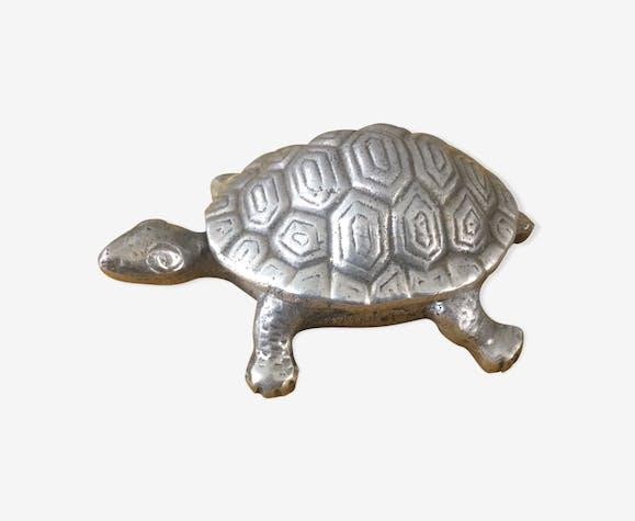Vacuum pockets/vintage turtle shaped box