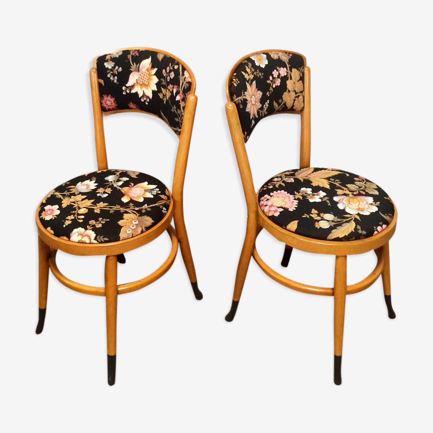 Chaises bistrot au tissu fleuri