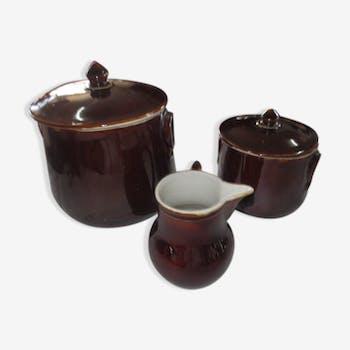 Pots en faïence pour conservation du beurre
