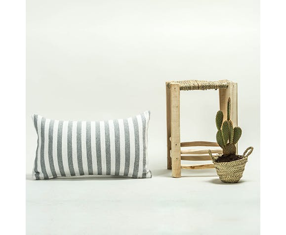 Cushion amelal 50 x 30 without tassels