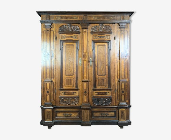 17th Rhineland cabinet made of precious wood and blackened wood in mesh frames