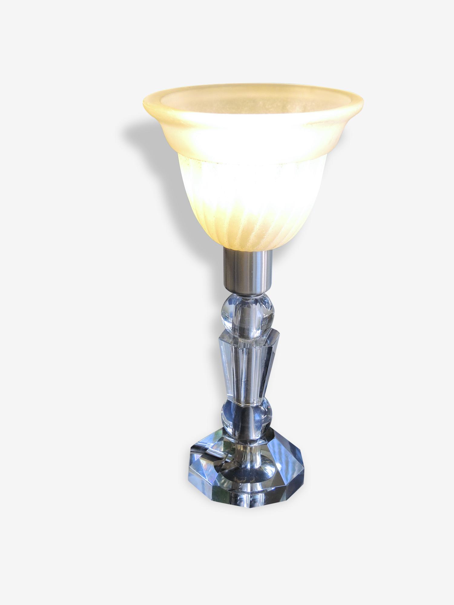Lampe de chevet verre cristal  taillè et moulé