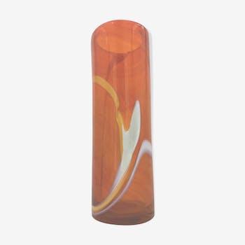 Vase rouleau en pâte de verre orange, signé Mick et Bob Le Bleis, Maure-Vieil - années 1970