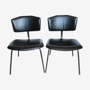 Pair of chairs in chrome and black leatherette of the 1960s
