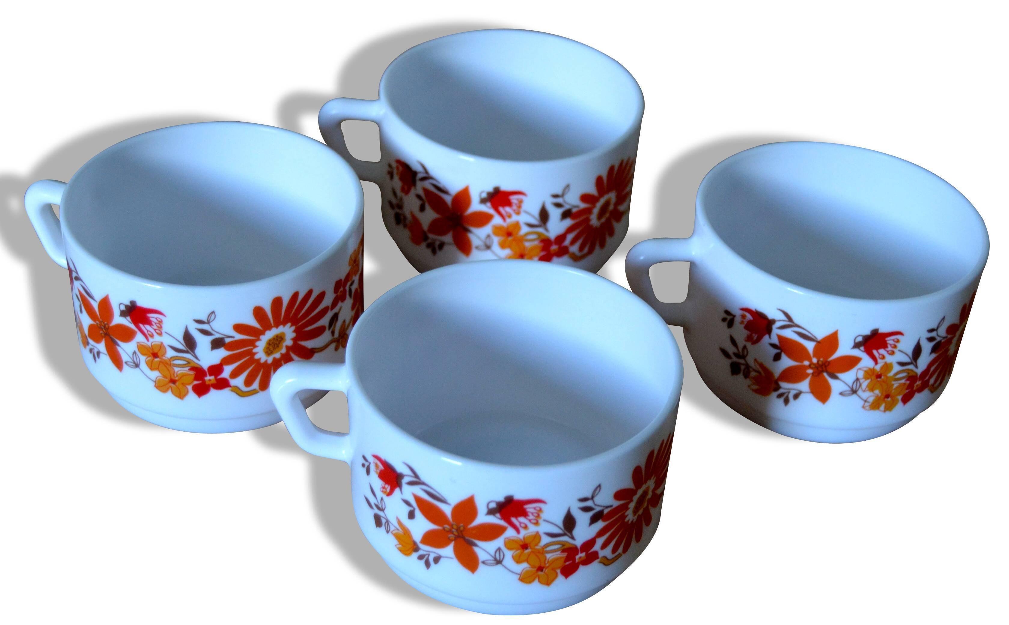 Lot de 4 tasses Arcopal fleuries