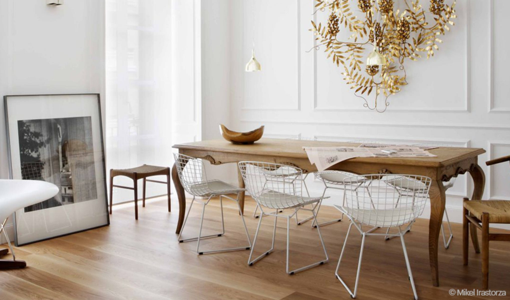 Stunning table ancienne et chaises modernes photos for Table et chaise salle a manger moderne